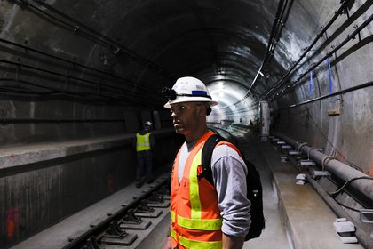 Nearly finished tunnel, 2015. (Christian Hansen/Gothamist)