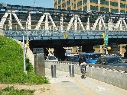 Manhattan Bridge, Brooklyn side