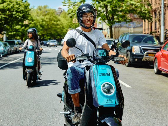Electric Moped Sharing Service Unleashes 1,000 Mopeds In