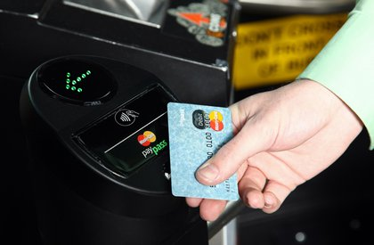 NJ TRANSIT bus rider pays for bus fare with new contactless payments technology