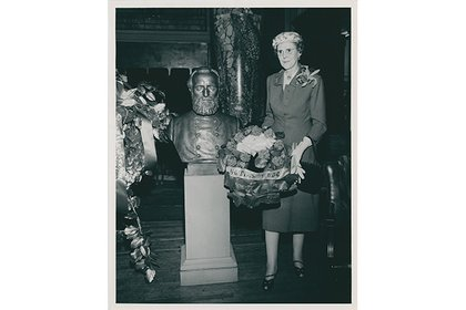 The unveiling of Jackson's bust in 1957
