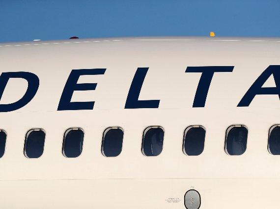 A Delta Airlines jetliner.