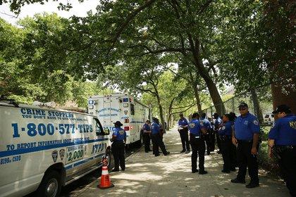 Community affairs officers swarm the neighborhood