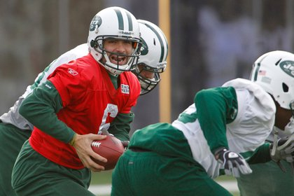 Mark Sanchez and the Jets practice