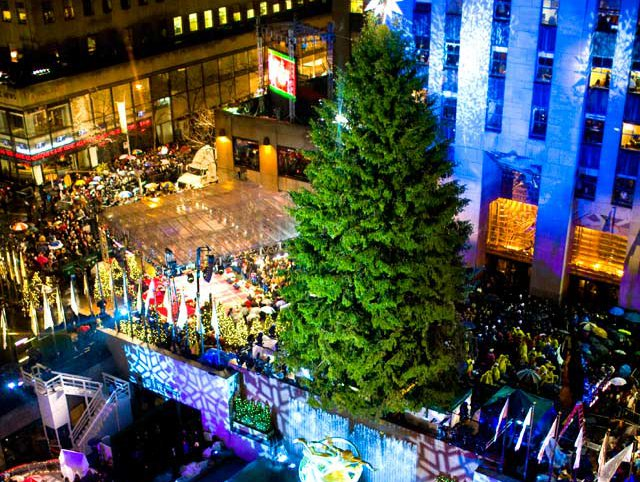 Christmas Museum Ct 2021 Photos Rainy Rockefeller Center Christmas Tree Lighting 2009 Gothamist