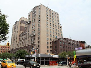 EV Grieve: Report: NYU student dies jumping in front of L