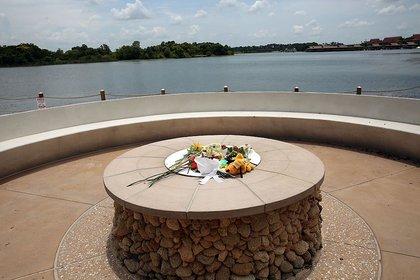 Flowers left for Lane Graves (Getty Images)