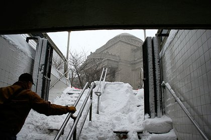 Snowy subway entrance/exit at the Brooklyn Museum