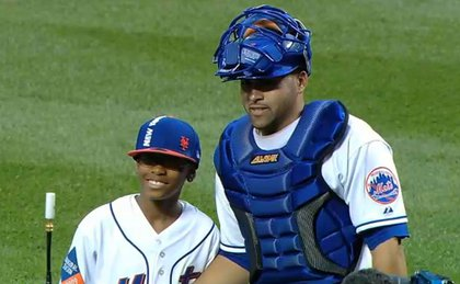 Davonte Kelly and Mets catcher Omir Santos