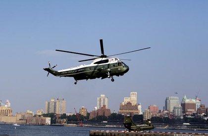 Marine One, coming into Lower Manhattan