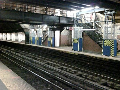 """According to NYC Transit: """"Modified station work at 181st St. Some columns were removed to provide additional platform space."""""""