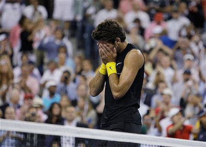 del Potro reacts after defeating Federer