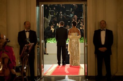 President Barack Obama and First Lady Michelle Obama await Prime Minister Manmohan Singh of India and his wife, Gursharan Kaur
