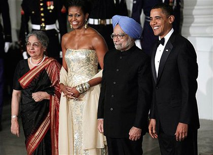 First Lady of India Gursharan Kaur, First Lady Michelle Obama, Prime Minister Manmohan Singh and President Obama