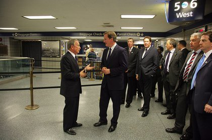 This is no Victoria Station: Bloomberg and Cameron, at Penn Station