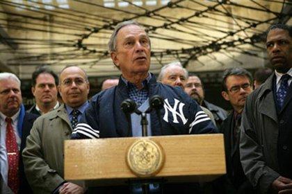 Mayor Bloomberg, wearing a Yankee jacket, in 2008