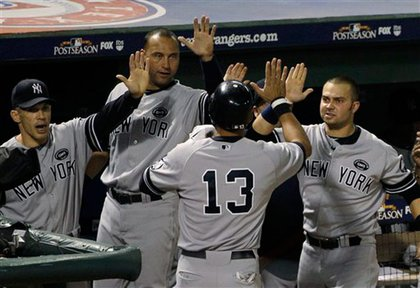 Yankees cheer A-Rod, who scored on a Marcus Thames single