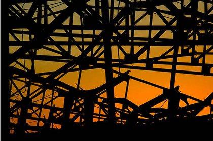 A 2008 sunset through the pier