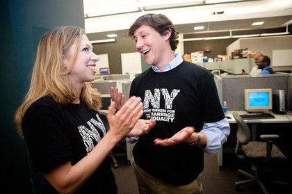 Chelsea Clinton chats with another New Yorker for marriage equality