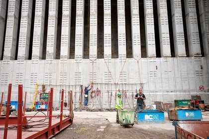 This is the south side of 1 WTC- you can see the thick concrete walls, which are a security measure.