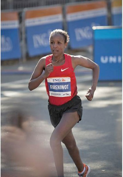 Women's champion Firewihot Dado