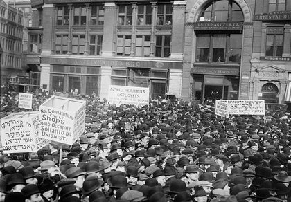 Workers march on May Day, 1913.