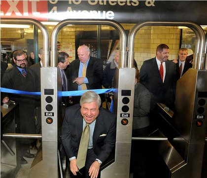 Is Borough President Marty Markowitz fare jumping—or just ribbon-ducking?