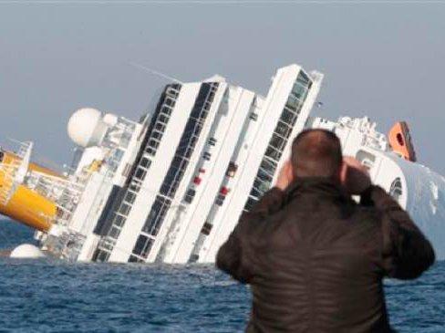 Luxury Cruise Runs Aground Off Italy At Least 3 Dead Gothamist