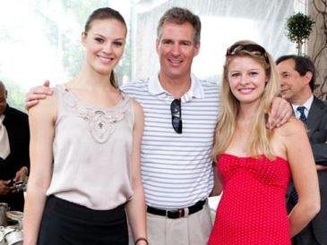 Scott Brown and his daughters