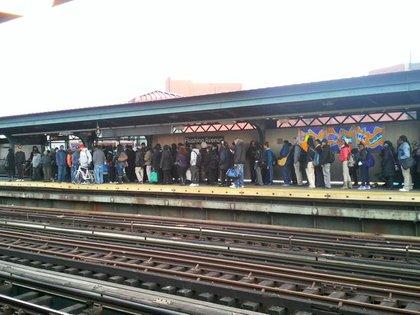 The Flushing Avenue J platform