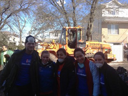 American Cancer Society's runners work as volunteers in Tottenville, Staten Island