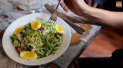 Frisee salad with lardons and egg