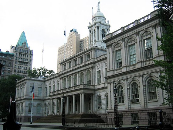Photograph of City Hall by WallyG / Flickr