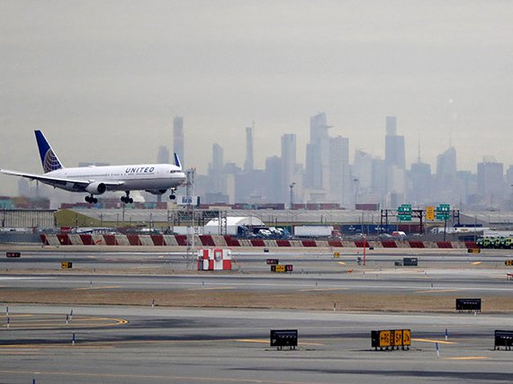 A United Airlines jet prepares to land at Newark Liberty International Airport on January 23, 2019
