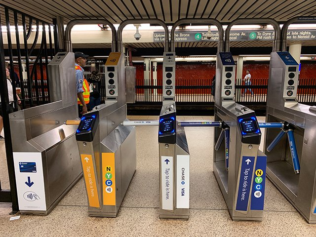 Turnstiles along 16 4/5/6 train stations, plus buses on Staten Island, have been outfitted with OMNY readers