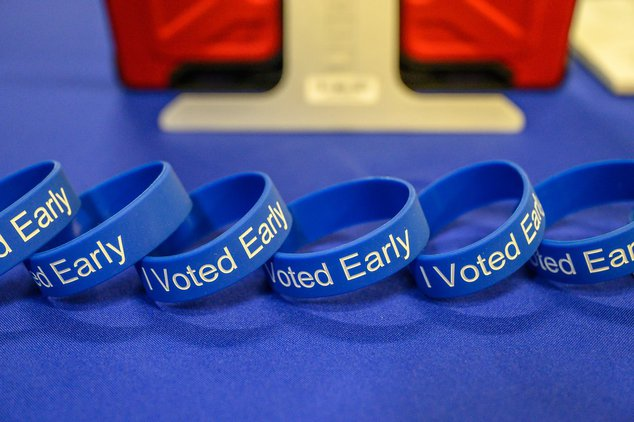 An early voting bracelet