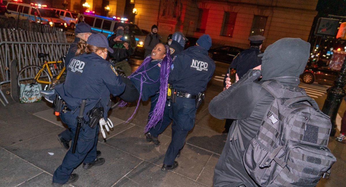 De Blasio Blames Pro-Trump Insurrectionists For NYPD`s Crackdown...