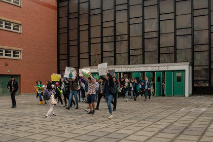 """Students walking out of Bronx Science High School (<a href=""""http://dispatch.nyc/"""">David """"Dee"""" Delgado</a> / Gothamist)"""