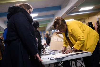 Voting at P.S. 261 (Getty Images)