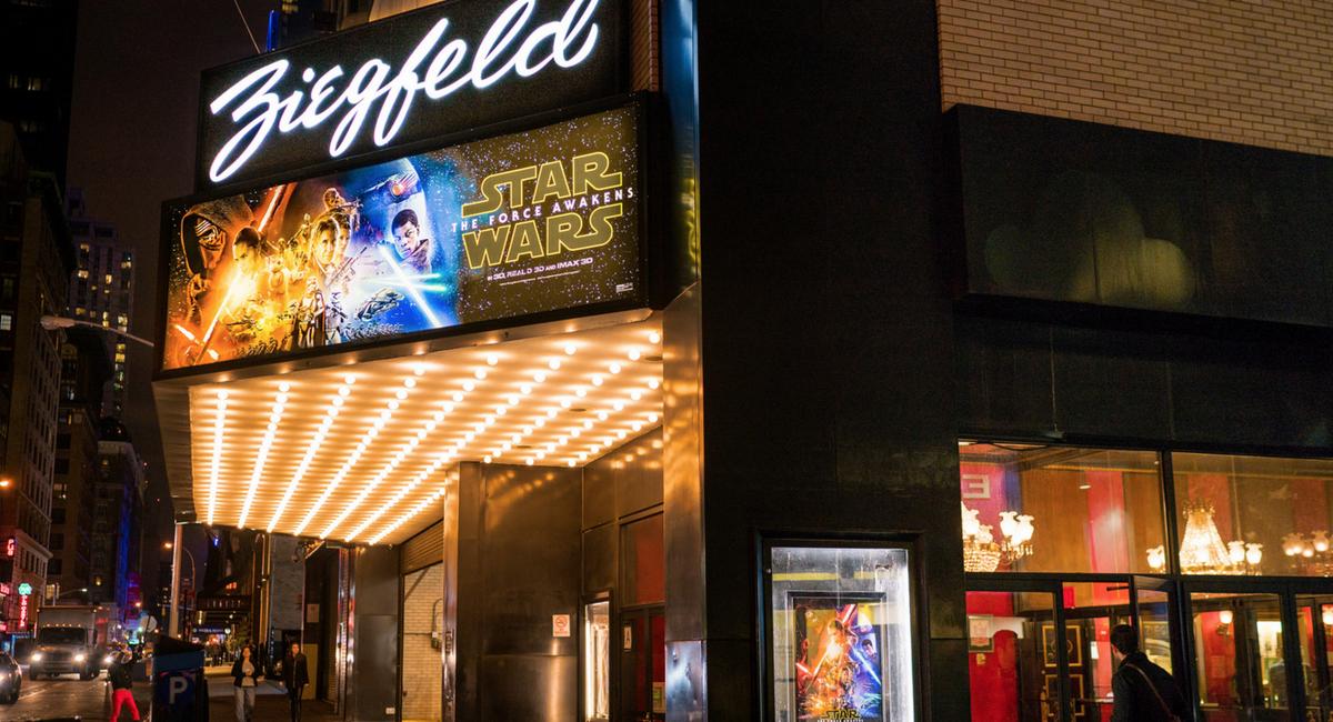 Photos The Last Night At The Legendary Ziegfeld Theatre Gothamist