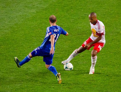 Thierry Henry shows Justin Mapp his ball control.