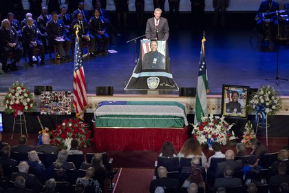 Mayor de Blasio at the funeral (AP)