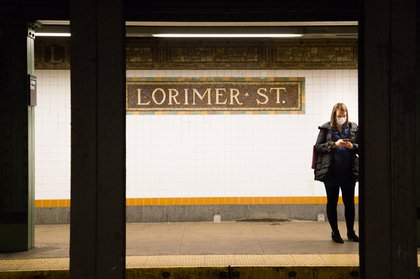 Commuters along the L line on February 6, 2019<br>