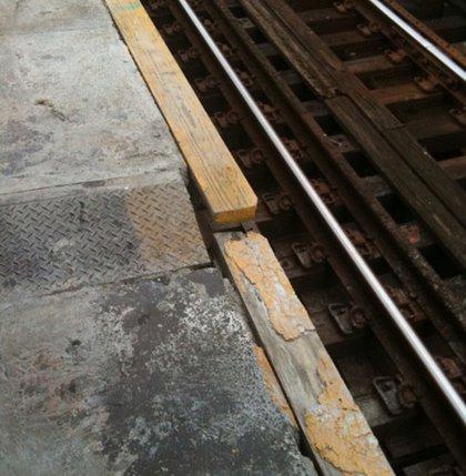 The Seneca Avenue platform