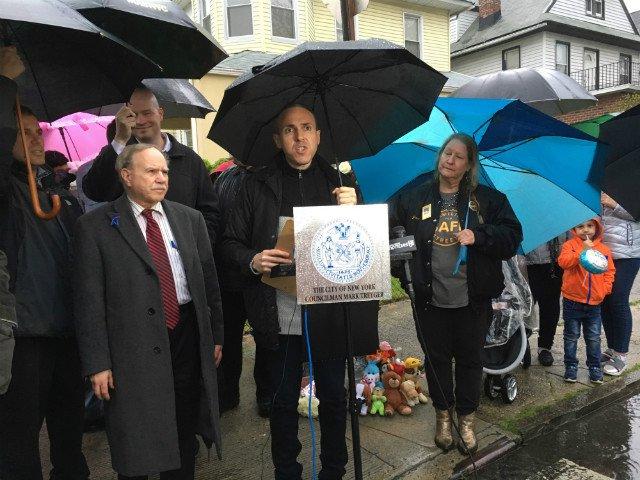 Councilman Mark Treyger speaking at a vigil for Emur Shavkator in Bath Beach on Sunday