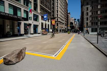 An island area along Broadway will become the new home of a Citi Bike docking station.</br>