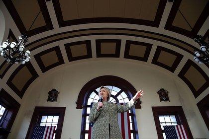 Hillary Clinton in Snug Harbor, Staten Island<br>