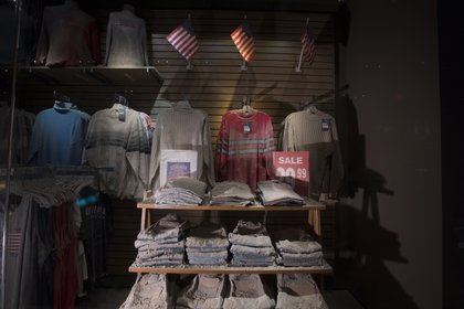 What Chelsea Jeans looked liked after the WTC collapsed—full of dust, ashes and debris<br/>