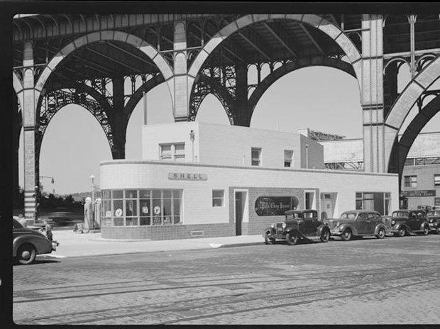 6/21/1941 — 125th Street. Gas station.