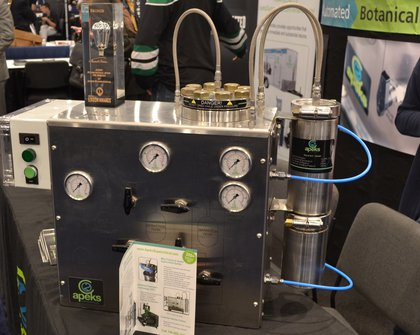 This contraption extracts oil from marijuana plants. <br>